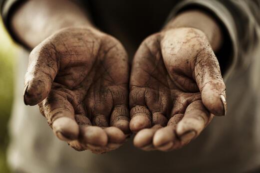 dirt_hands